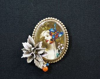 IRIS - Resin brooch