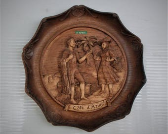 piatto di legno scolpito, carved wooden dish, ST. RAPHAEL, wood marked SIC decore main, a fisherman with fish in Côte d'Azur, Made in France