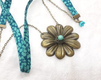 Liberty Jolie Daisy turquoise necklace