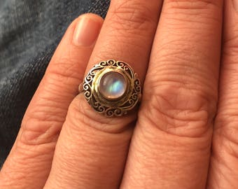 Beautiful Antique Moonstone Sterling Silver Ring