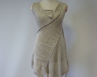Asymmetrical taupe linen top, M size. Made of pure linen.