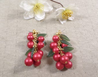 Beautiful Vintage Gold Tone Pair Of Red Acrylic Cluster Beaded Dangle Pierced Earrings With Green Leaves  DL#3438