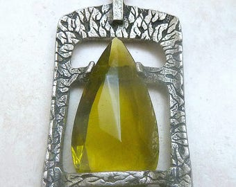 Vintage Miracle Art Green Glass Naturalistic Pendant And Necklace.