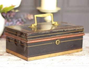 Large vintage cash tin with lift out insert cash tray section