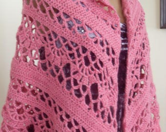 Soft woolen crocheted scarf, triangular, apple pink