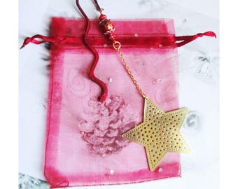 """Bookmarks, Christmas jewelry: """"Star Gold filigree and chain with red and gold glass beads"""" on bookmark"""