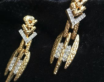 Sparkling rhinestone Earrings Crystal modernist Chevron Vintage clip on textured statement gold tone sparkly  Runway dressy dangle chunky