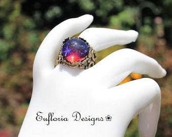 DRAGONS BREATH OPAL Ring, Mexican Opal Ring, Filigree Band, Round Glass Opal Ring, Red Opal Ring, Promise Ring, Unique Ring, Opal Crown Ring