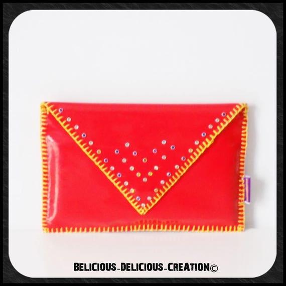 Original ''  Pochette enveloppe  !! RED FANTASY !! en simili cuir rouge avec Pierres fantaisie T. 28cm x 18cm belicious-delicious-creation