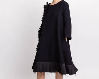 Black woman's dress / Wool knee length dress / Long sleeves pocket dress / Hand pleated lagenlook dress / Fasada 18002