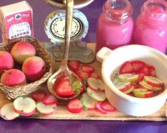 Dollhouse miniature jam prep board,strawberries and apple jam,dollhouse food,dollhouse handmade x