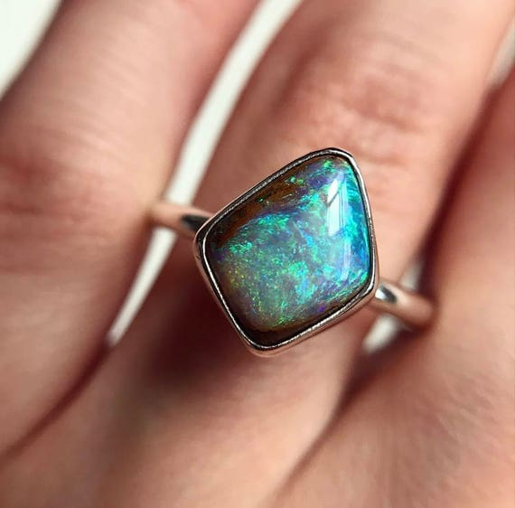 Sterling silver ring with Australian crystal pipe opal SZ 9