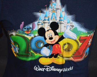 Vintage Walt Disney World Exclusive 2007 Graphic T-Shirt (Size: S)