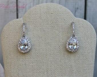 FAST SHIPPING!! Beautiful Zirconia Earrings, Bridal Zirconia Earrings, Mother of the Bride, Bridesmaid Earrings, Sweet 16 Earrings, Gift