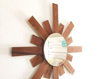 Rustic Wood Mirror, Pallet Wood Mirror, Rustic Mirror, Sun Mirror, Sunburst Mirror, Primitive Mirror, Wall Mirror, Round Mirror, Wood Mirror