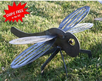 Giant Metal Dragonfly, rustic dragonfly, dragonfly sculpture, landscape art, dragonfly metal art, rusty dragonfly, metal dragonfly