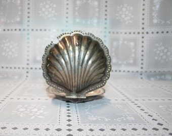 Vintage Hinged Silver Shell Dishe scallop, clam,  Small size,  Water. Sea. Offering plate, ring dish