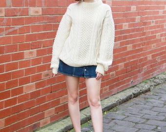 Vintage 1970s Cable Knit Jersey / Made in Italy / ARAN Jersey / Fisherman Sweater / S/M/L
