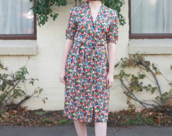 Vintage 1970s Fruit Novelty Print Sundress / Marie-Melodie PARIS / Made in France / 1940s Style Rayon Dress / Fruit Print Dress / S/M