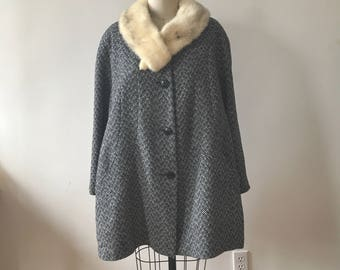 Vintage 1970s wool coat / small