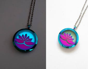 Glowing Flower Necklace - Lotus Necklace - Girlfriend Gift - Gift for Mom - Glowing Pendant - Glow in the Dark Necklace - Gift for Her