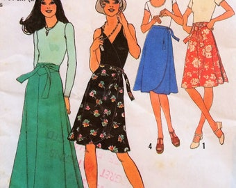 Simplicity 7352 Wrap Skirts Vintage Sewing Pattern, 4 types, 1970s, size 6 and size 8