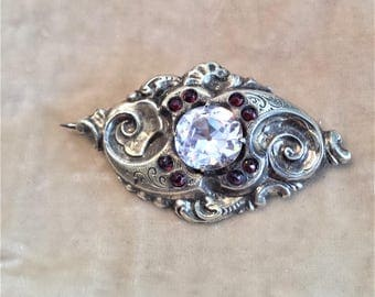 12K Gold Brooch with 9 paste crystals