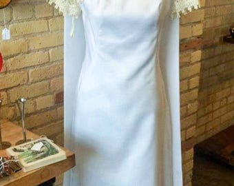 Vintage 1960's Short Sleeve Fitted Full Length Block Neck Line Jackie O Style Wedding Dress Gown With Detachable Train And Veil With Bow