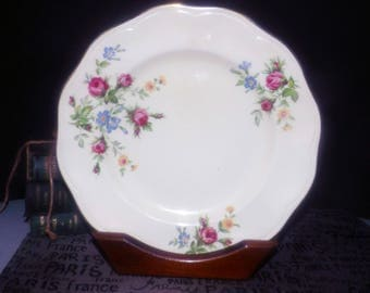 Mid-century (c.1950s) British Anchor Pottery Regency line dinner plate. Pink roses, multicolor florals, gold edge.