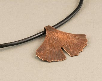 Copper Pendant, Copper Necklace, Hammered Copper Necklace, Pendant Necklace, Ginkgo Leaf Necklace, Boho Necklace, Copper Jewellery,