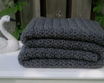 Blanket / Chunky Crochet Blanket Charcoal Grey / Grey Blanket / Chunky Throw Blanket / Crochet Blanket