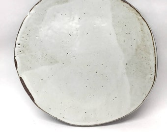 Speckled white plate // black stoneware