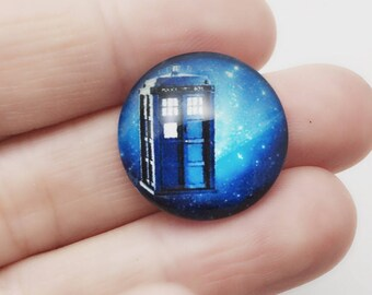 2 Tardis Cabochons / 20 or 25 mm Large Round / Dr Who Cabochons / Craft Scrapbooking Time Machine / CA394