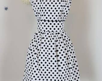 1950s Style Dress - White Black Polkadot Dress - Fit And Flare - 1990s  - Sleeveless - Back Button Up - Summer Spring - Size Small