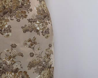1990s Pencil Skirt - Floral Damask Jacquard - Elegant Gold - Back Slit Zipper Detail - Metallic - Classic Sexy Skirt - Size Medium Waist 28""