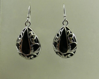 Black Onyx Earring with Sterling Silver Setting