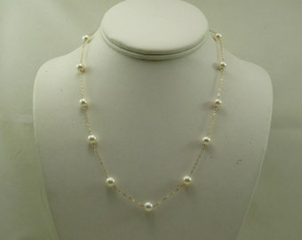 Freshwater White Pearl Tin Cup Necklace 14k Yellow Gold 18 Inches