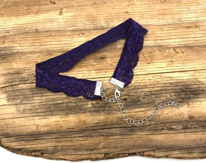 ROYAL: purple elastic lace choker