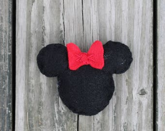 Minnie Mouse Ears Magnet