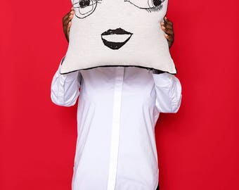 pillow : miss happy-go-lucky