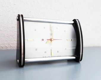 Vintage 1950 / 1960 's design mechanic Alarm Clock In very good and  working condition Shang Hai China