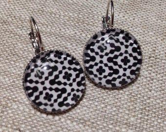 Earrings - geometric - black and white