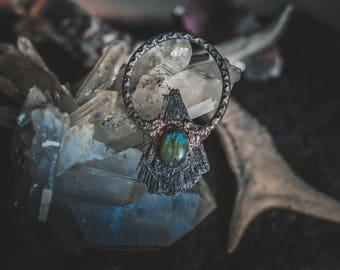 Black kyanite labradorite pendant