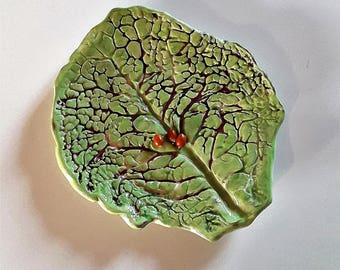 Irish green cabbage leaf ceramic plate / / cabbage leaf ceramic dish / / green ceramic dish / / ceramic plate