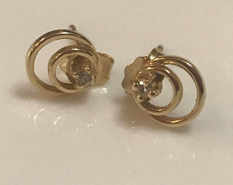 14K Gold Diamond Earrings 1.0 Grams