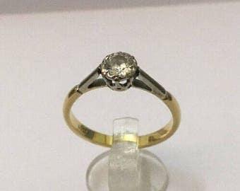 18ct Gold & 1/2ct Diamond Ring - Hallmarked - Size 8.5 (UK R)