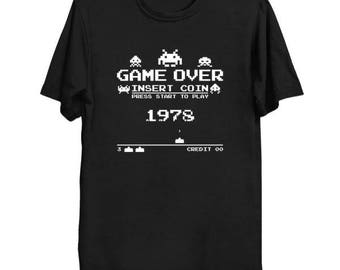 Space Invaders (White Version) GAME OVER 1978 Arcade Geek T-Shirt Funny Parody Video Game Nerd Pop Culture Shirt