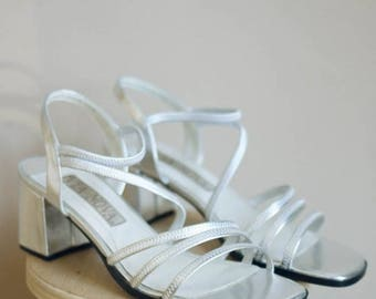 SALE! Vintage Silver Metallic Strappy Block Heels / Via Nova  / 8.5