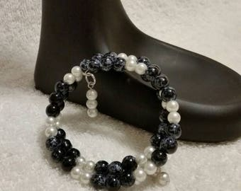 Black and white bracelet, speckled glass bracelet, memory wire bracelet, wrap bracelet, beaded bracelet, multi-loop bracelet,  beaded wrap