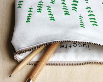Medium pouch // verdure2 // green // screenprinting // embroidery